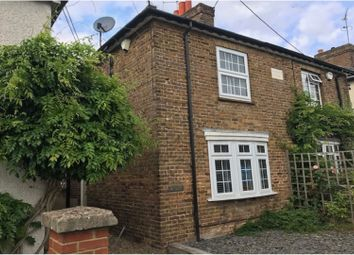 Hedsor Road, Bourne End SL8. 2 bed semi-detached house