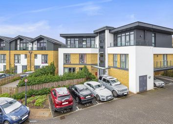 Maple House, Sycamore Avenue, Woking GU22. 2 bed flat for sale