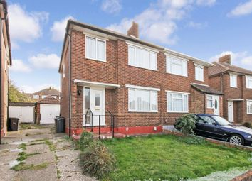 Thumbnail 3 bed property to rent in Pennine Avenue, Luton