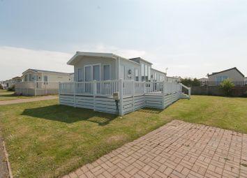 Thumbnail 2 bedroom mobile/park home for sale in Hawthorns, Birchington Vale, Birchington