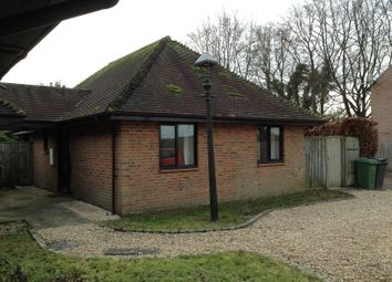 Thumbnail 2 bed bungalow to rent in Pond Close, Farnborough, Wantge