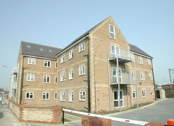 Thumbnail 2 bed flat to rent in Oxford Road, Clacton-On-Sea