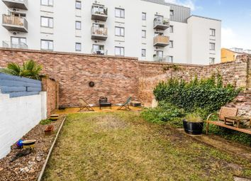 Thumbnail 2 bed flat for sale in Alhambra Road, Southsea