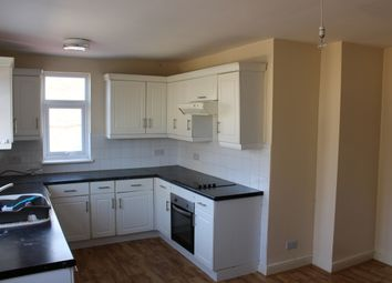 Thumbnail 3 bed flat to rent in Chigwell Road, Woodford Green