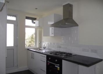 2 bed flat to rent in Princes Road East, Torquay TQ1