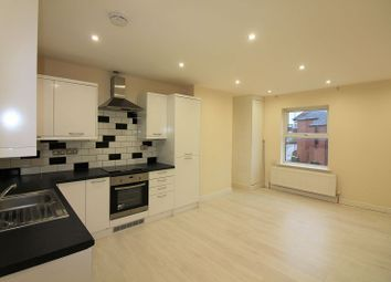 Thumbnail 2 bedroom flat to rent in Broad Street, Banbury