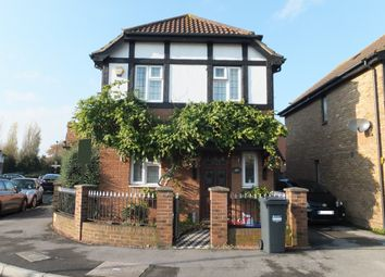 3 bed detached house to rent in Churchill Close, Feltham TW14