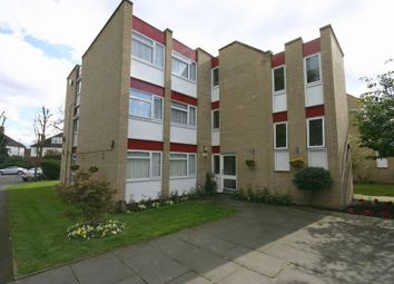 Thumbnail Flat to rent in Lingfield Close, Enfield