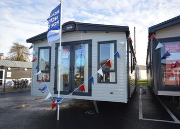 2 bed mobile/park home for sale in Colchester Road, St. Osyth, Clacton-On-Sea CO16