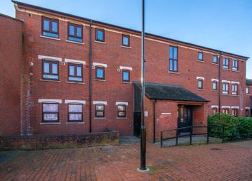 Thumbnail 3 bedroom flat for sale in Singleton Close, Croydon