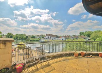Thumbnail 2 bed flat to rent in Clarence Street, Staines Upon Thames, Middlesex