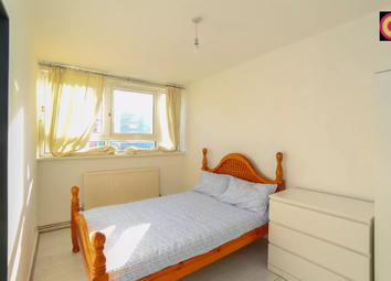 Room to rent in Broomfield Street, London E14