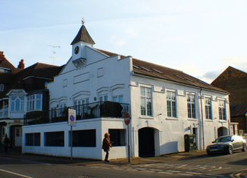 Thumbnail 2 bed flat to rent in River Bank, East Molesey