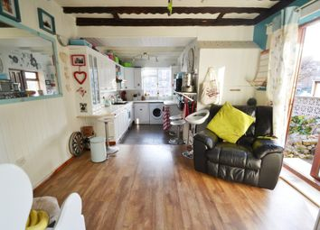 Thumbnail 6 bed end terrace house for sale in Queens Road, Doncaster
