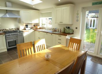 Thumbnail 4 bed property for sale in Kingsbury Gardens, Dunstable