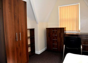 Thumbnail 5 bedroom property to rent in Raven Road, Hyde Park, Leeds