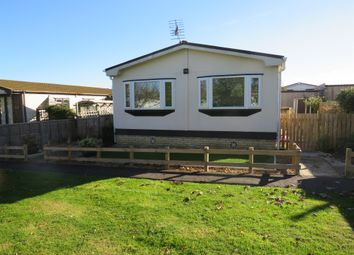 Thumbnail 2 bedroom mobile/park home for sale in Kingsmead Park, Bedford Road, Rushden