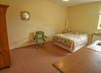 Thumbnail Room to rent in Portsmouth Road, Frimley, Surrey