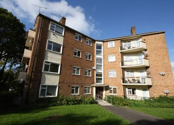 Thumbnail 3 bed flat to rent in High Clere, High Road