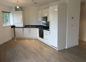 Thumbnail 2 bed flat to rent in Park Avenue, Bushey