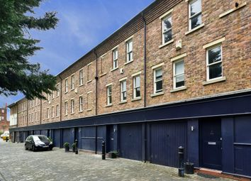 Thumbnail 3 bed mews house to rent in St. Pauls Mews, London