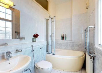 Thumbnail 3 bed flat to rent in Chiltern Court, London