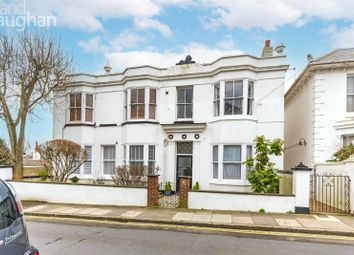 Powis Grove, Brighton, East Sussex BN1. 2 bed flat for sale