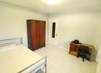 Room to rent in Clauson Avenue, Northolt UB5
