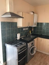 Thumbnail 2 bed flat to rent in Leagrave Road, Luton