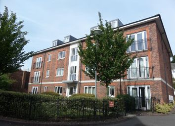 Thumbnail 2 bed flat to rent in Brighton Road, Redhill
