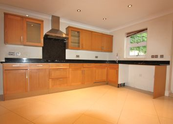 Thumbnail 4 bed town house to rent in Biddulph Road, South Croydon