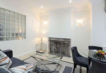 Thumbnail 1 bed flat to rent in Somerset Court, Lexham Gardens, Kensington, London