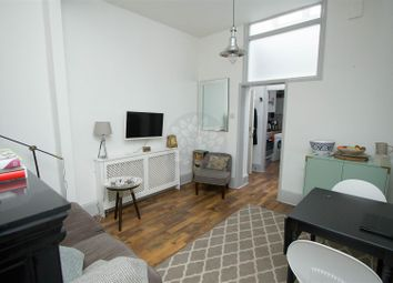 Thumbnail 1 bed flat to rent in Dartmouth Park Hill, London