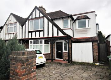 3 bed flat for sale in Redhill Drive, Edgware HA8