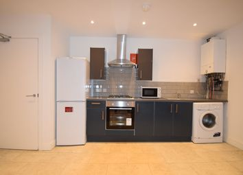 Thumbnail 1 bed flat to rent in City Road, Roath