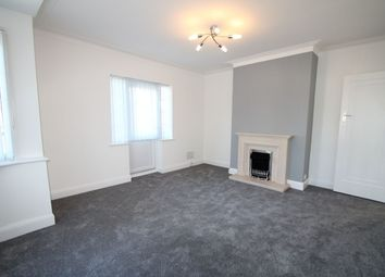 2 bed flat to rent in Clovelly Court, Upminster Road, Hornchurch RM11
