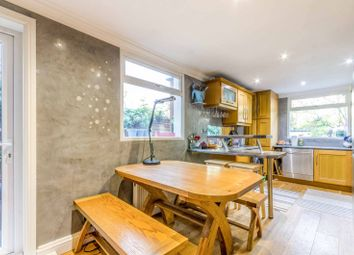 3 bed property to rent in Oban Street, Poplar E14