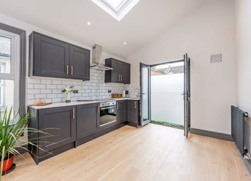 Elbe Street, Fulham, London SW6. 1 bed flat for sale