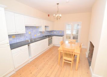 Thumbnail 1 bed flat to rent in Belvedere Road, Taunton, Somerset