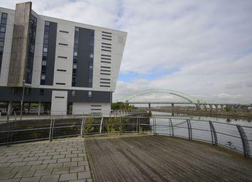 2 bed flat to rent in The Decks, Runcorn WA7
