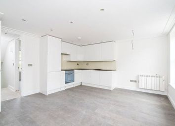 3 bed maisonette to rent in Archway Road, Highgate, London N6