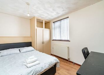 Thumbnail Room to rent in College Street, Portsmouth