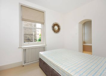 Thumbnail 2 bed flat to rent in Cheyne Row, Chelsea