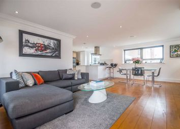 The Shore, Westcliff-On-Sea, Essex SS0. 2 bed flat for sale