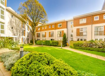 Thumbnail 2 bed flat for sale in Coleman Fields, Islington
