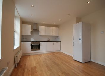 Thumbnail 1 bed flat to rent in New North Road, Islington, London
