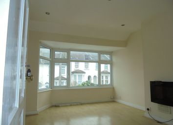 Thumbnail 2 bed flat to rent in Gladeswood Road, Belvedere