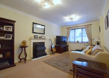 4 bed property for sale in Chancery Close, Bradville, Milton Keynes MK13