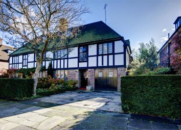 Thumbnail 5 bed cottage for sale in Southway, London