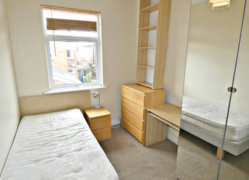 Thumbnail Room to rent in Lansdowne Road, Hartshill, Stoke-On-Trent